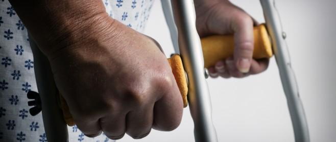 ottawa injury lawyer crutches 658x278 1